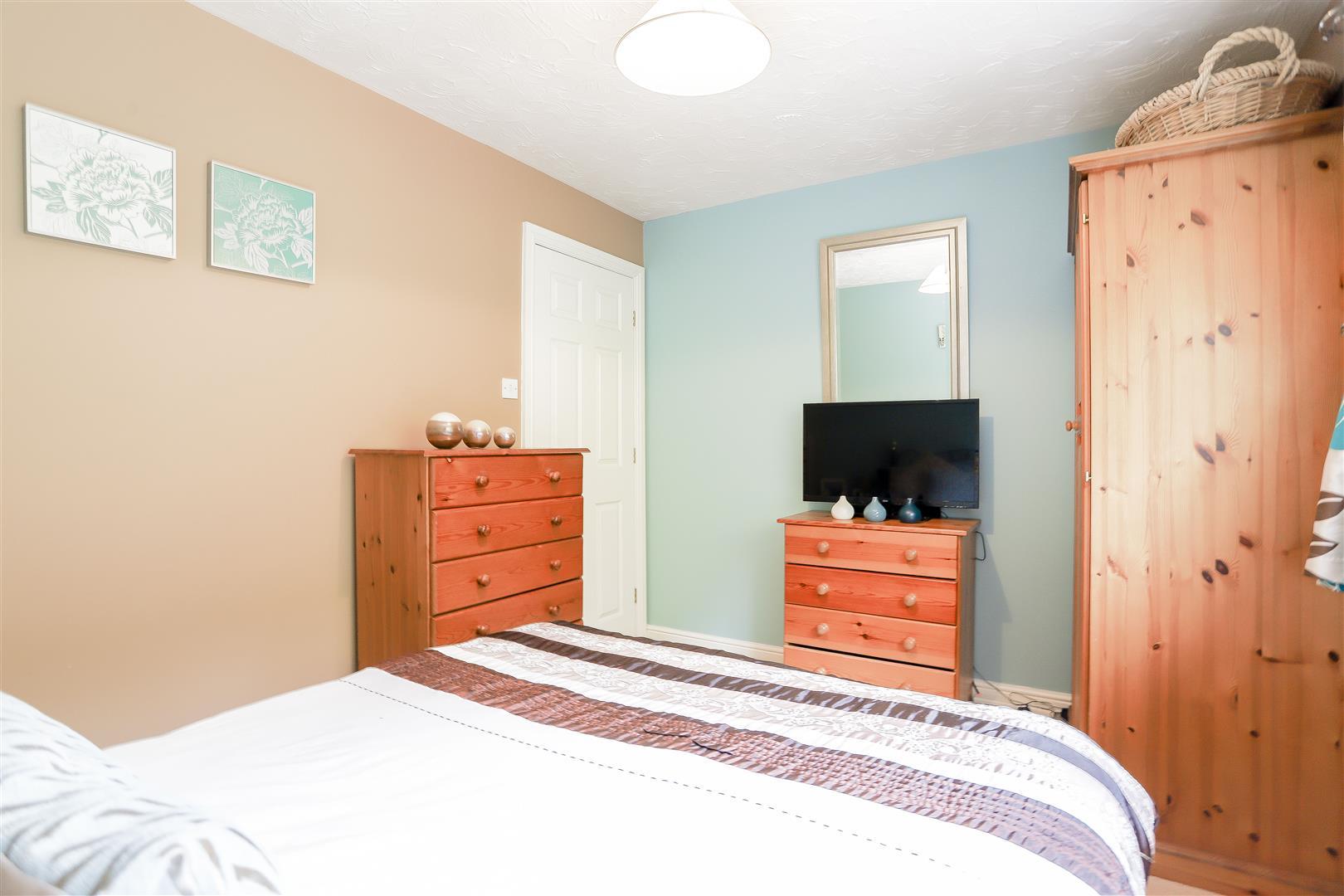 3 Bedroom Detached House For Sale - 31.jpg